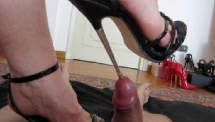 Ebony Amateur Girl Using Her Black Feet On A White Dick In Hot Interracial Foot Fetish Action